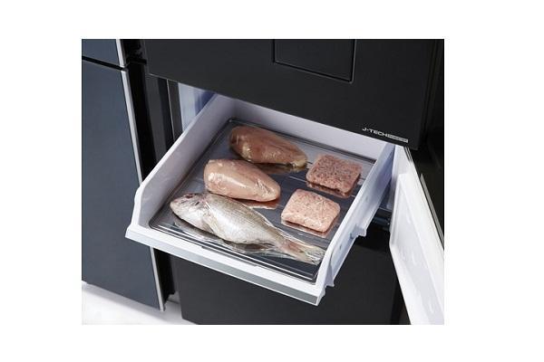 Room del frigorifero a 4 porte Sharp