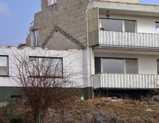 Condoni edilizi in zona sismica: demolizione parte abusiva