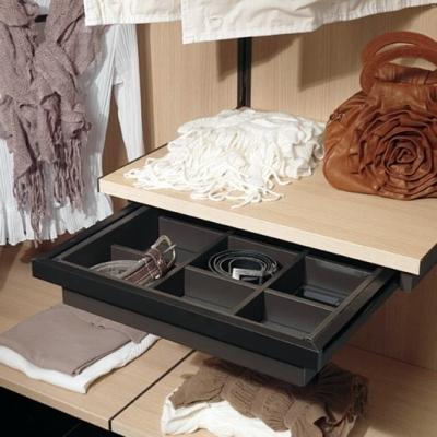 Kuboline by Tosetti: cassetti per cabina armadio