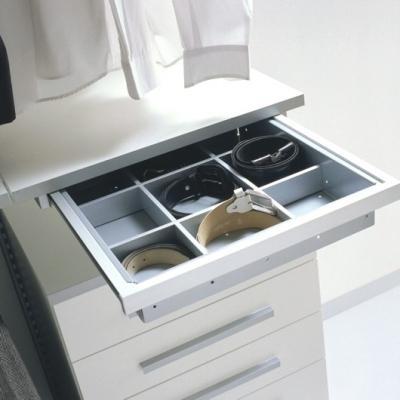 Kuboline by Tosetti: porta cinture per cabine armadio