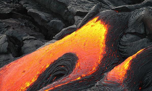 Una colata, origine naturale della pietra lavica