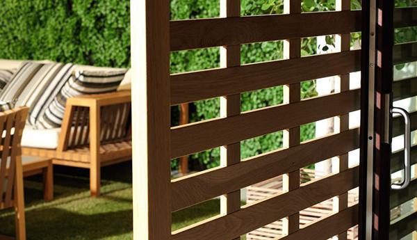 Pannelli frangisole in legno di Isam