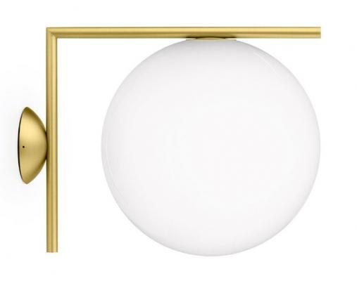 Lampada da parete di design con copertura sferica, da Flos