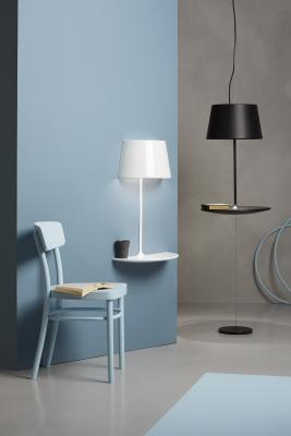 Mezza lampada e mezzo tavolo in sospensione, da Northern