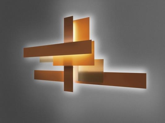 Lampade da parete come installazioni artistiche, da Foscarini