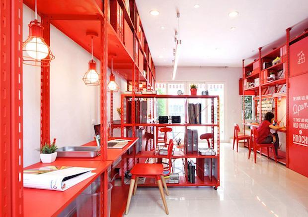 Ufficio arredo rosso, da nfgraphics.com
