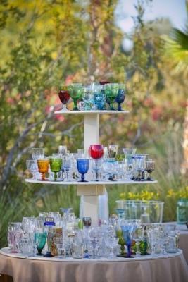 Bicchieri spaiati, anche per le grandi occasioni, da intimateweddings.com