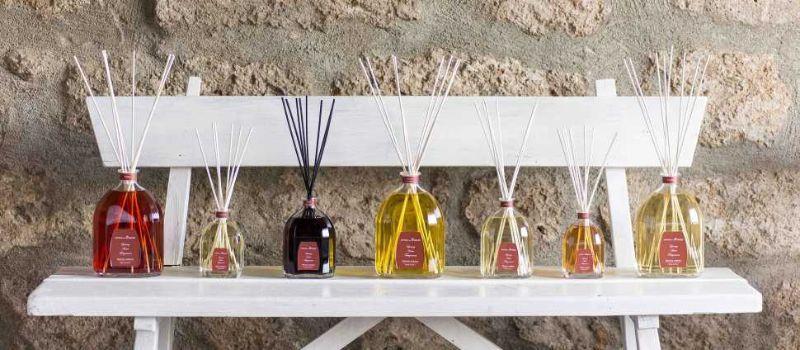 Gamma profumatore ambiente di fragranze  in bottiglia di vetro di Officina delel Essenze
