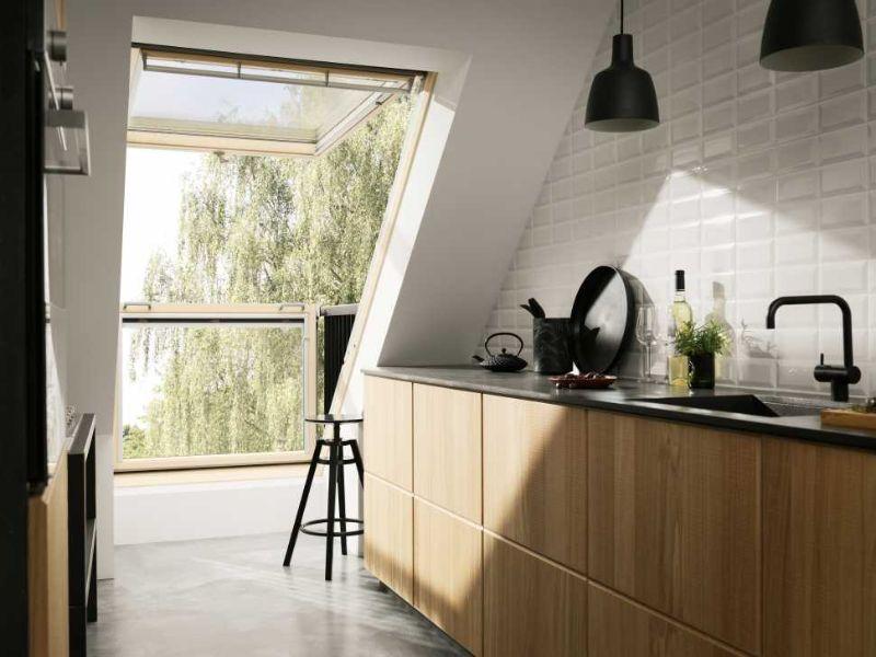 Finestre balcone cabrio per tetti for Finestre per tetto