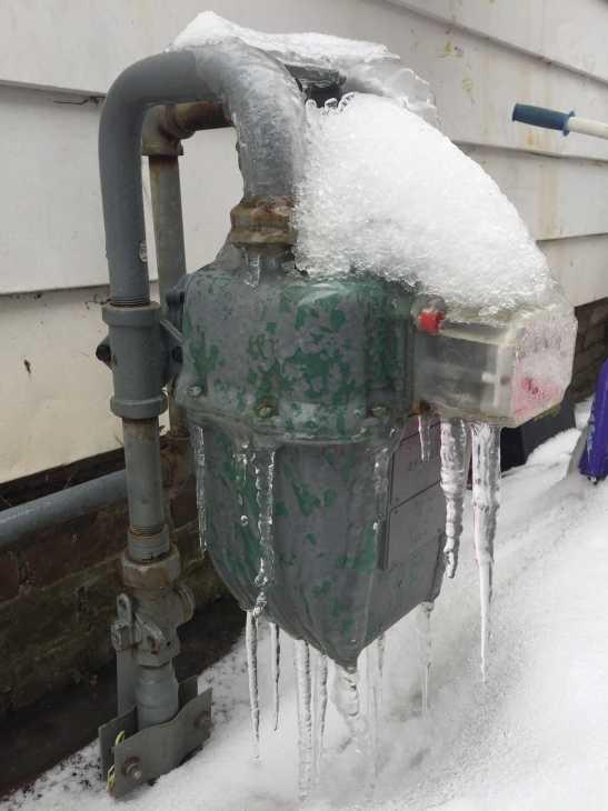 Contatore acqua ghiacciato