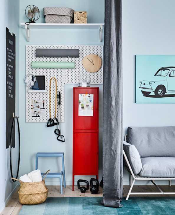 Angolo fitness in soggiorno, da Ikea