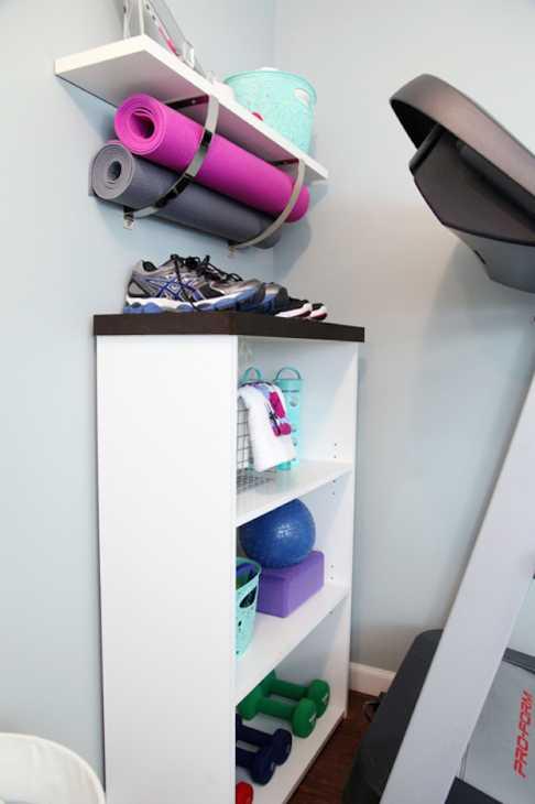 Armadietto per attrezzatura fitness, da iheartorganizing.com