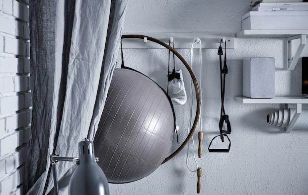 Un angolo nascosto per il fitness in casa, da Ikea