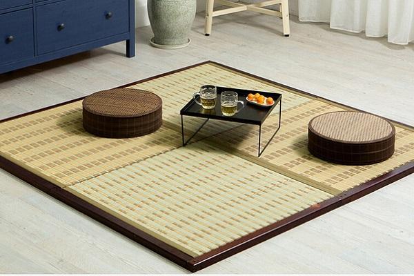 Nella cultura nipponica, il tatami è usato per gustare il tè con gli ospiti