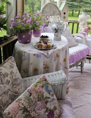 Un tea corner esterno può essere sfruttato tutto l'anno