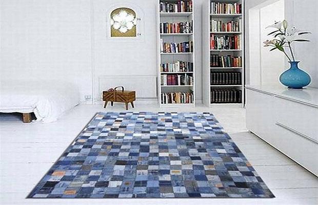 Perché non utilizzare i ritagli di stoffa denim per fare un bel tappeto?