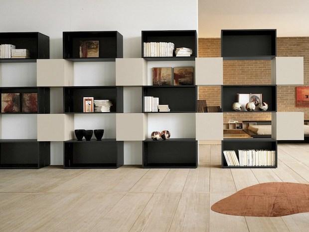 Libreria autoportante modulare con vuoti e pieni, da Lago