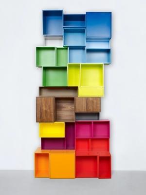 Libreria cubica colorata, da Mymito