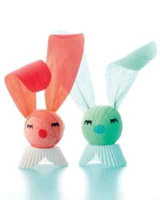 Coniglietti pasquali in carta per allestire la tavola, da marthastewart.com