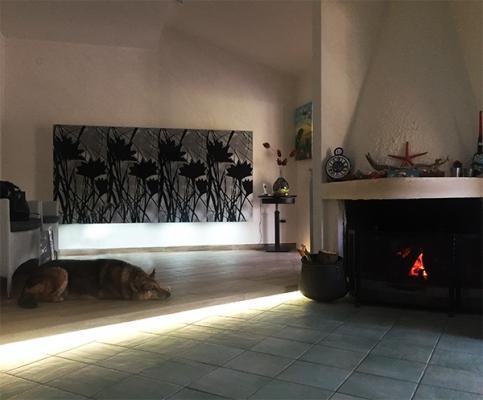 Plafoniere Muro Led Bagnola : Fasci di luce led su pareti e solai