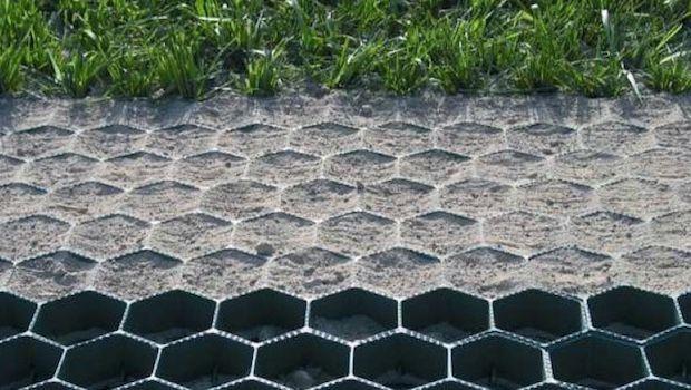Prato carrabile: i sistemi salvaprato per rendere calpestabile il giardino