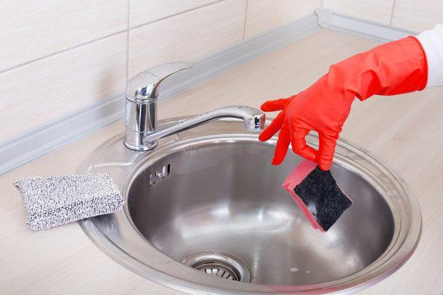 Igienizzare le spugne da cucina