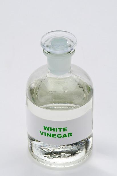 L'aceto igienizza ed elimina i cattivi odori