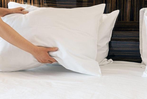 Cuscini bianchi come nuovi