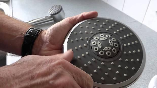 Come smontare il soffione della doccia, da dereton33.com