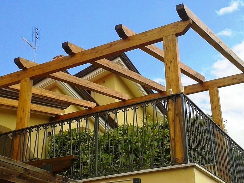 Struttura di pergolato in legno, creazione Santangeli Legnami