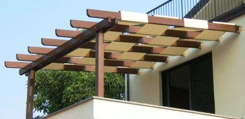 Pergola in legno con teli a onda, di Naturalwood