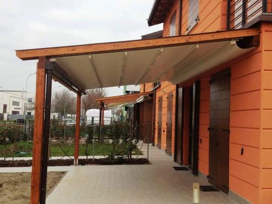Pergola in legno con tenda retrattile, di Naturalwood
