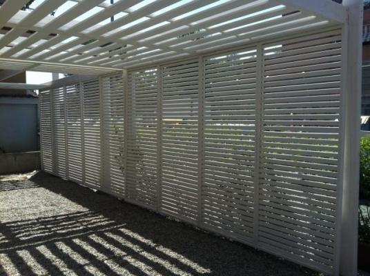 Pannelli grigliati frangisole e frangivento for Divisori per terrazzi