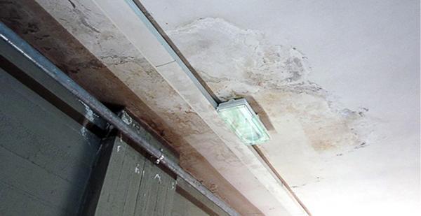 Un solaio in laterocemento con danni da infiltrazioni d'acqua, Diasen