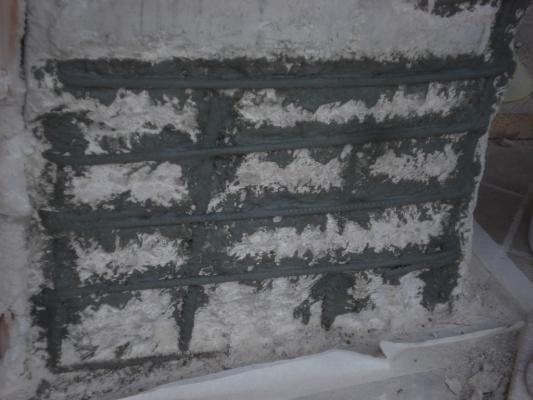 Applicazione malta anticorrosione in pilastro di cemento armato ammalorato, Diasen
