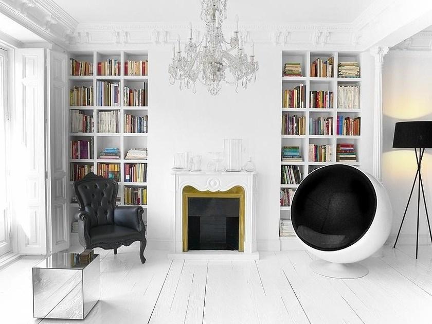 Ball Chair per isolarsi dal mondo, da Aarnio Originals
