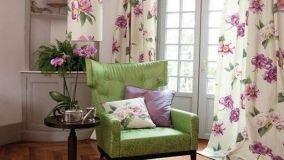 Le decorazioni floreali invadono ogni ambiente di casa