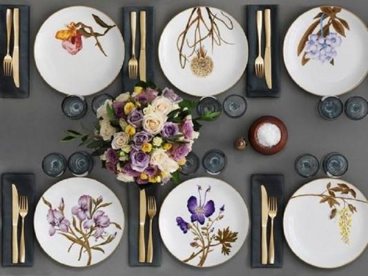 Il flower mood contagia anche la tavola