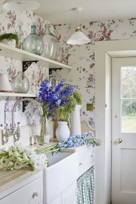 Decorazioni floreali pure in cucina