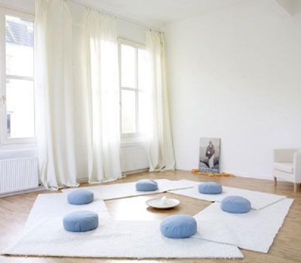 La luce naturale è importante quando si decide di fare yoga a casa