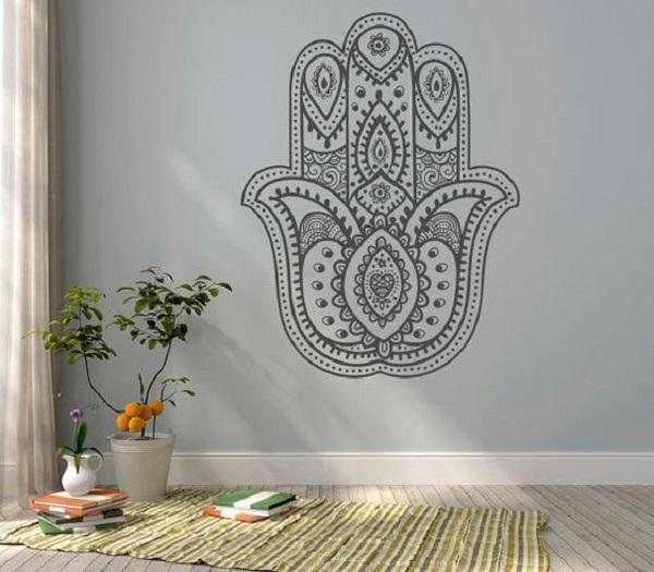 La Mano di Fatima è un simbolo che rende più spirituale la nostra stanza yoga