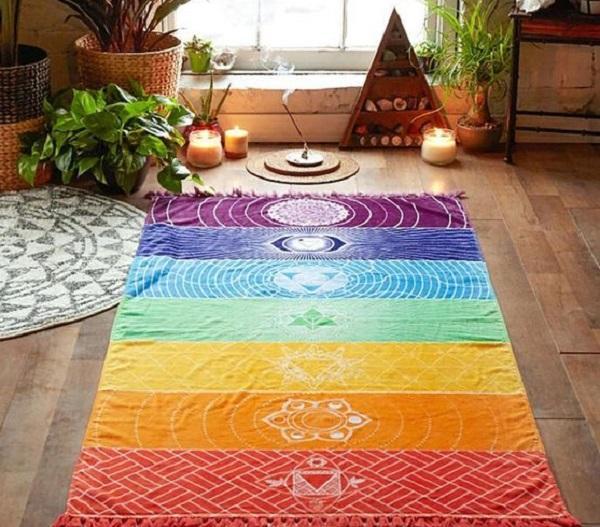 Teli e tappeti per muoverci comodamente e fare yoga