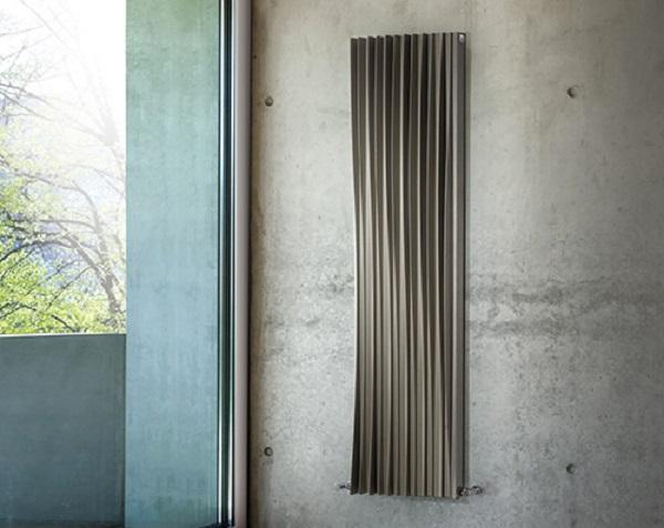 Il radiatore Harp di Deltacalor coniuga funzionalità ed estetica