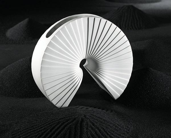 Fascino orientale per il vaso Arcus di Rosenthal