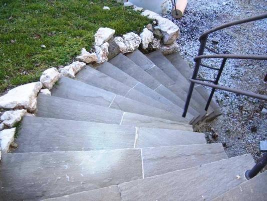 Scala esterna in pietra naturale - Scale esterne ville ...