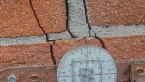 La crepa nel muro: quali possono essere le cause e come intervenire per consolidare?