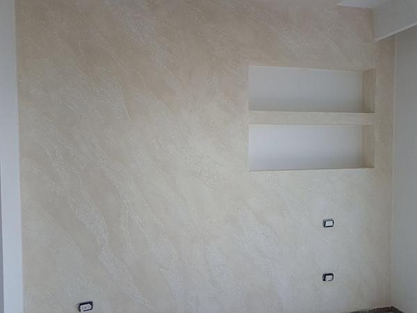 Pittura pietra spaccata camera da letto Enkos srl