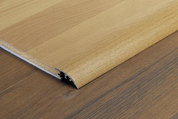 Profilo per pavimenti in alluminio rivestito