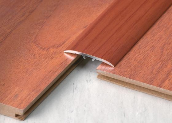 Giunto di dilatazione per pavimenti in legno