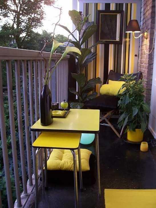 15 idee per arredare un balcone piccolo con orginalit for Arredare balconi piccoli